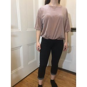 WOMENS OUTFIT (PANTS SIZE TWO, TOP SIZE M)